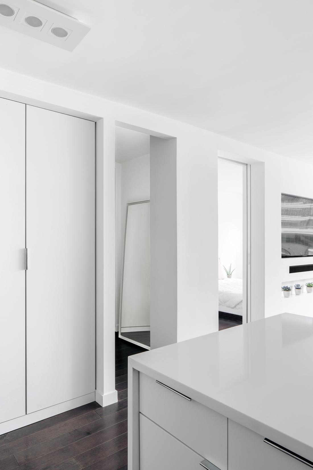 SB_JBA_402-Closet-White-1100x1650.jpg